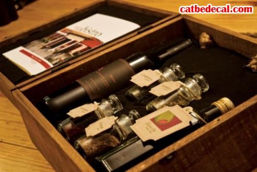 Thiết kế hộp đựng rượu mẫu bán hàng