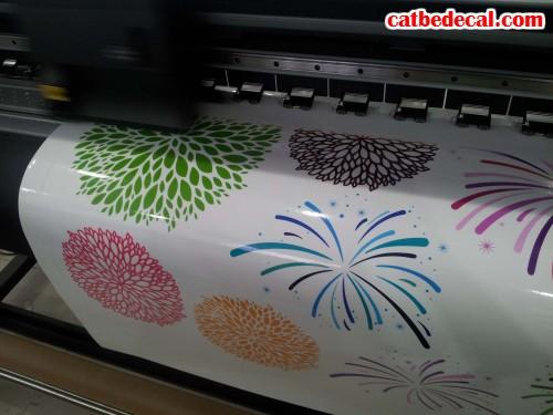 Decal họa tiết in trên chất liệu decal sữa dán trang trí đẹp, in ấn chuyên nghiệp tại Công ty Cắt Bế Decal