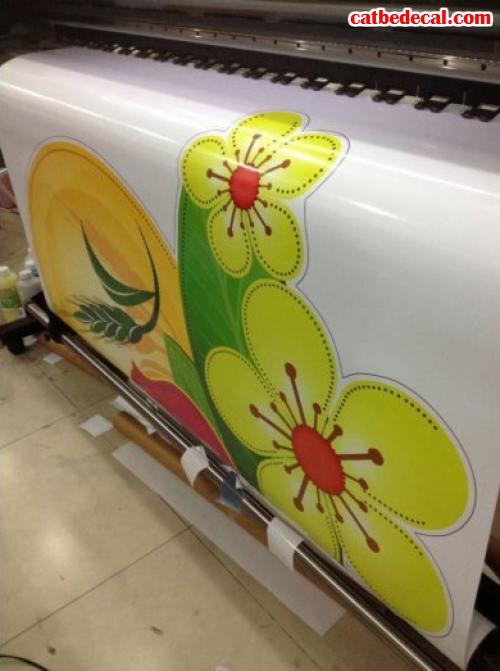 Công ty Cắt Bế Decal trực tiếp in và bế decal dán trên máy in bế Mimaki Nhật Bản cho thành phẩm in tuyệt đẹp