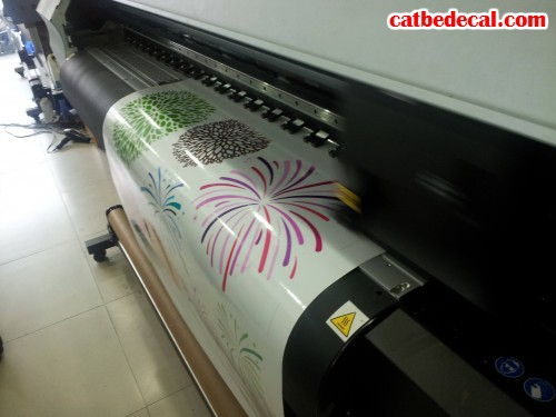 Decal chữ dán trang trí cho các doanh nghiệp, công ty, nhà ở,... đều được tiến hành in ấn và gia công cẩn thận tại CatBeDecal